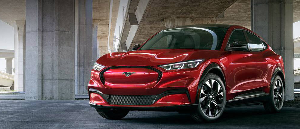 Сравнение Ford Mustang Mach-E 2021 с конкурентами