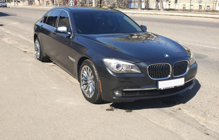 BMW 740L 2010
