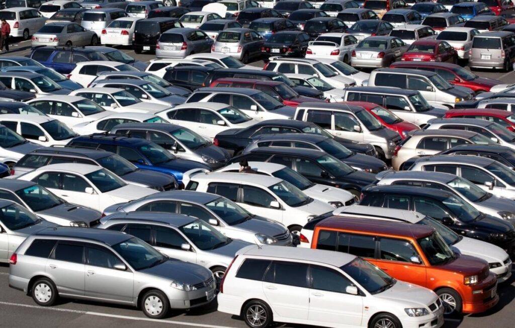 В чем выгода покупать б/у автомобили, а не новые из США?