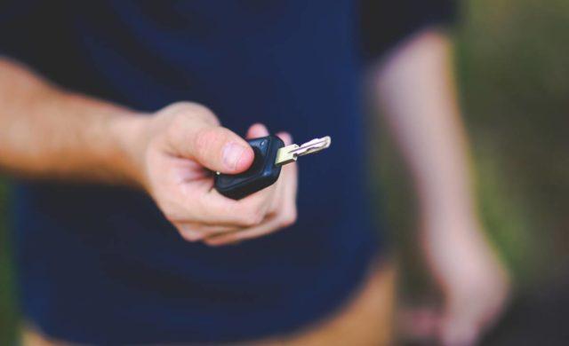 Какой автомобиль купить начинающему водителю