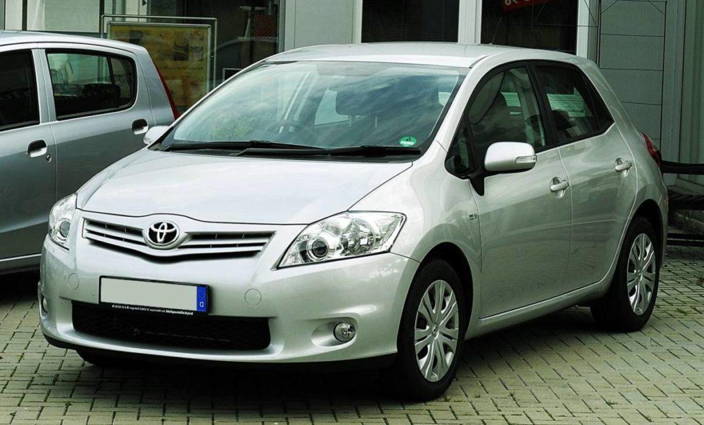 Машина для новичка - Toyota Auris