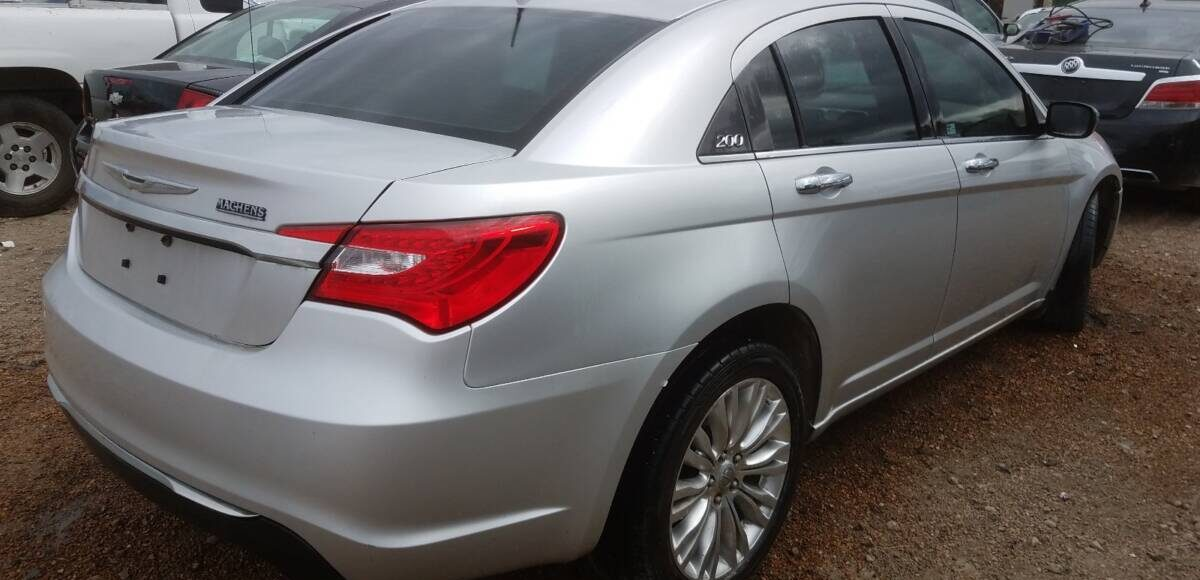 Купить 2011 CHRYSLER 200 LIMITED в Украине - 4