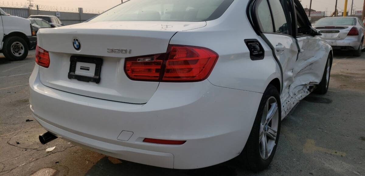 Купить 2015 BMW 320 I в Украине - 4