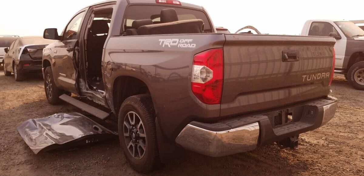 Купить 2014 TOYOTA TUNDRA CREWMAX SR5 в Украине - 3