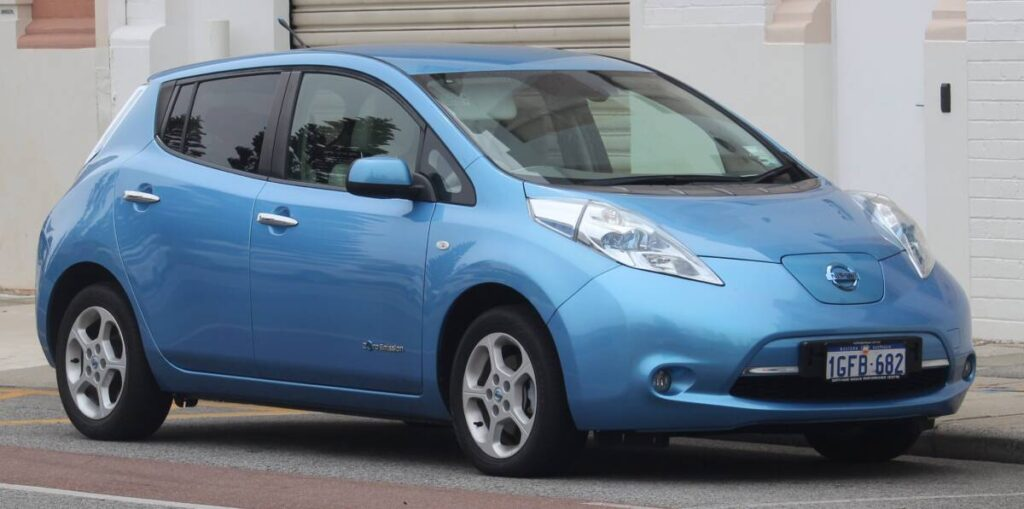 Топ авто из США Nissan Leaf