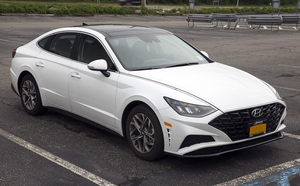ТОП семейных авто - Hyundai Sonata