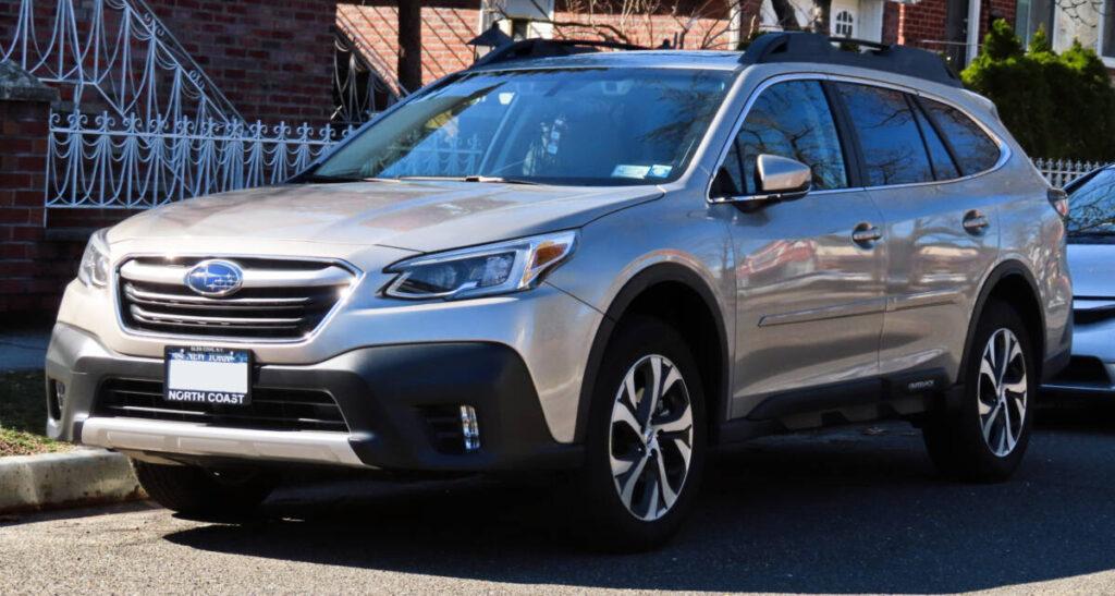 ТОП семейных авто - Subaru Outback